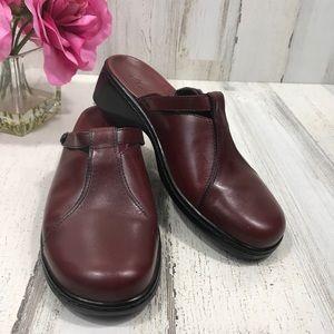 Clark's Leather Mule Clogs Sz 9